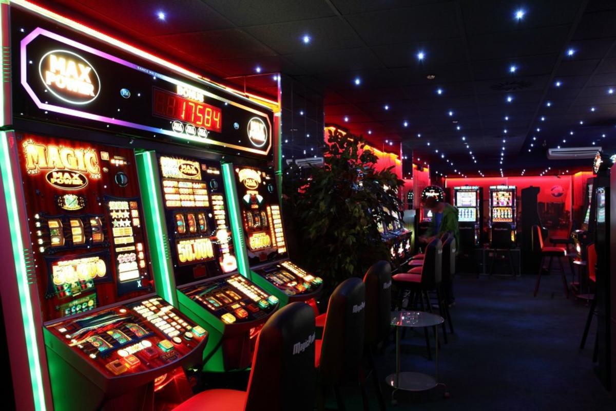 играть самому в автоматы казино